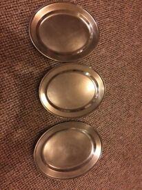 Metallic dishe x 3