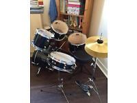 Junior full drum kit with stool