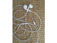New iPod earphones