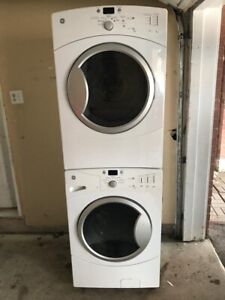 """27"""" Wow like new GE Washer  electric Dryer set"""