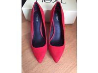 Elegant ladies heeled shoes size 4 1/2