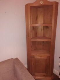 Corner shelving/storage unit