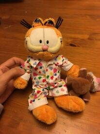 Garfield in his pyjamas soft toy - Excellent condition
