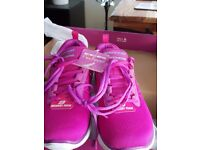 LADIES FUCHSIA AND LILAC SKETCHERS