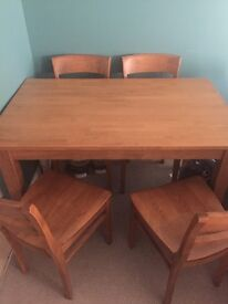 Oak dining table and 4 chairs - excellent condition