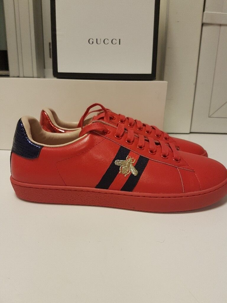 55f864a1d92 Gucci classic Ace Bee sneakers (Red)
