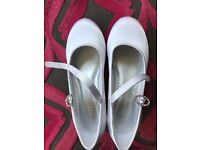 RJR JohnRocha white satin girls shoes size 12