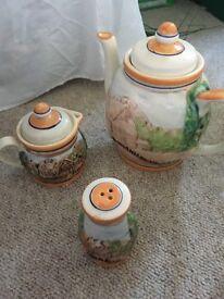 Tea pot and milk jug