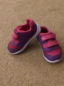 Size 4 & 4.5 Girls Shoes & Wellies