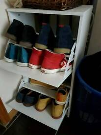 Shoes shelf