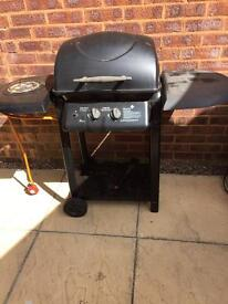 Gas BBQ with gas ring