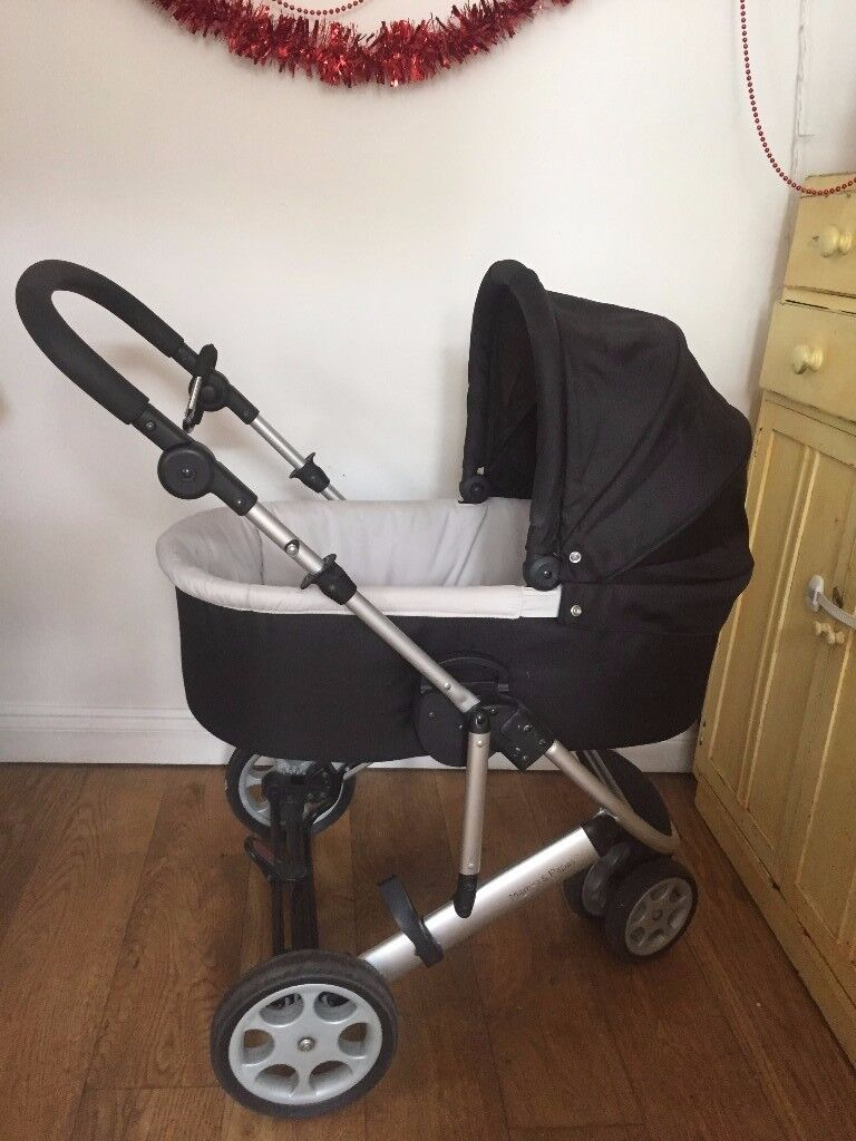 Pram, Mamas and Papas, carrycot with base, black, great condition, easy to fold, includes rain cover