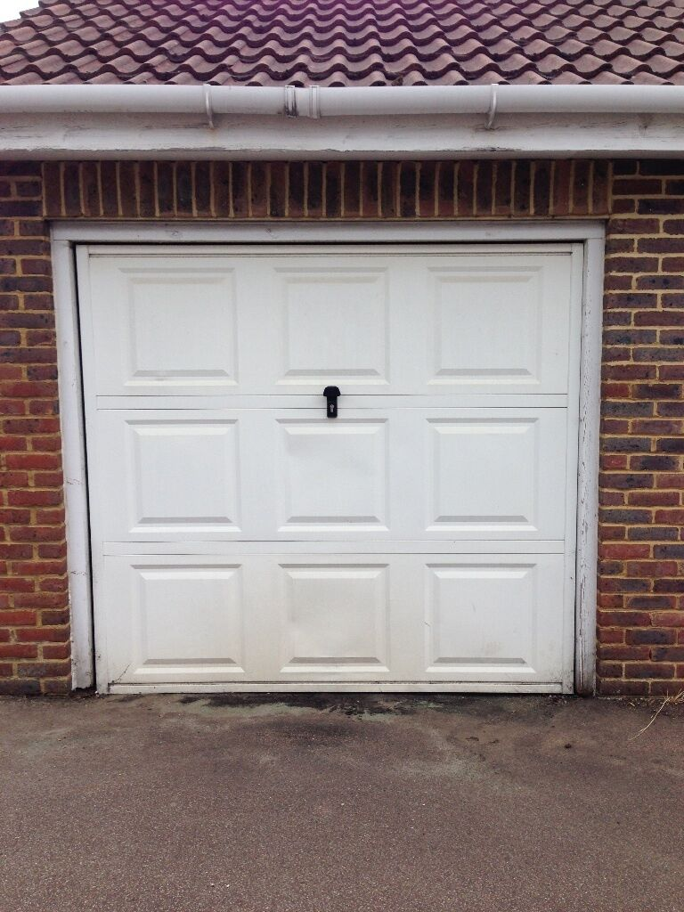 Freehold Lock Up Garage For Sale Walton On Thames In