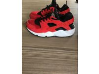 Nike huaraches red kids