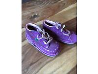 Girls purple kickers. Size 8. Very good condition.
