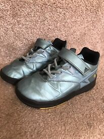 Adidas messi trainers size 8