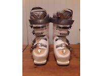 Head Women's Ski Boots Size 24-24.5 (Shoe size 5)