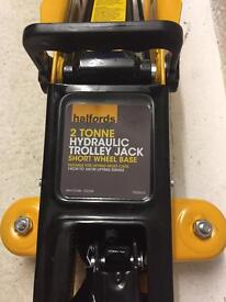 Brand new Halfords trolley jack and stands