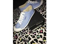 Woman's firetrap trainers size 4