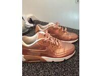 1fda8a76366c Nike gold AirMax size 4