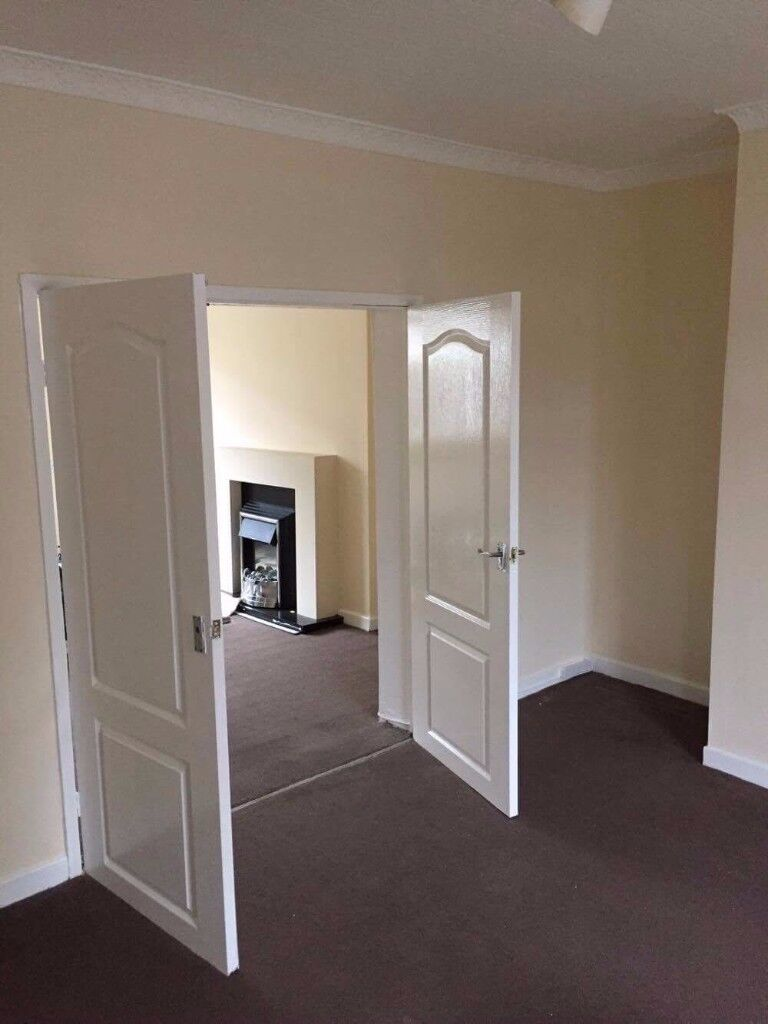 NO FEES! 3 Bedroom House to let in Ideal Location, Available Now