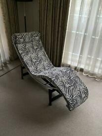 Classic designer chaise lounge Needs to be sold