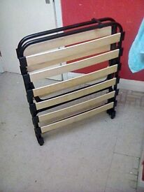 Fold up metal bed