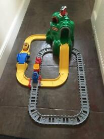 Train and road set Little Tikes
