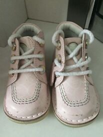 Kickers size 6 infant