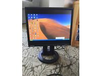 SAMSUNG HIGH END 17 INCH MONITOR WITH BUILT IN SPEAKERS