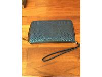 ladies blue large zip purse
