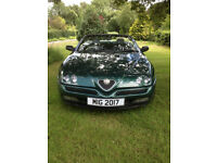 Alfa Spider 2.0 with low mileage and in excellent condition - rare Verde Tropico colour