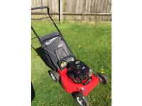 Murray 2 in 1 Mulch Or Collect Petrol lawn mower
