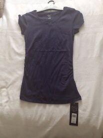 Navy maternity T-shirt (unworn)