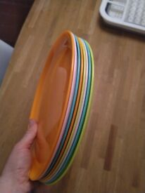 Eight plastic main course or party plates central London bargain