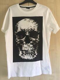 White Skull Print T Shirt - Medium