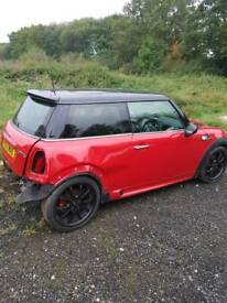 Breaking for spares 2008 mini cooper s r56
