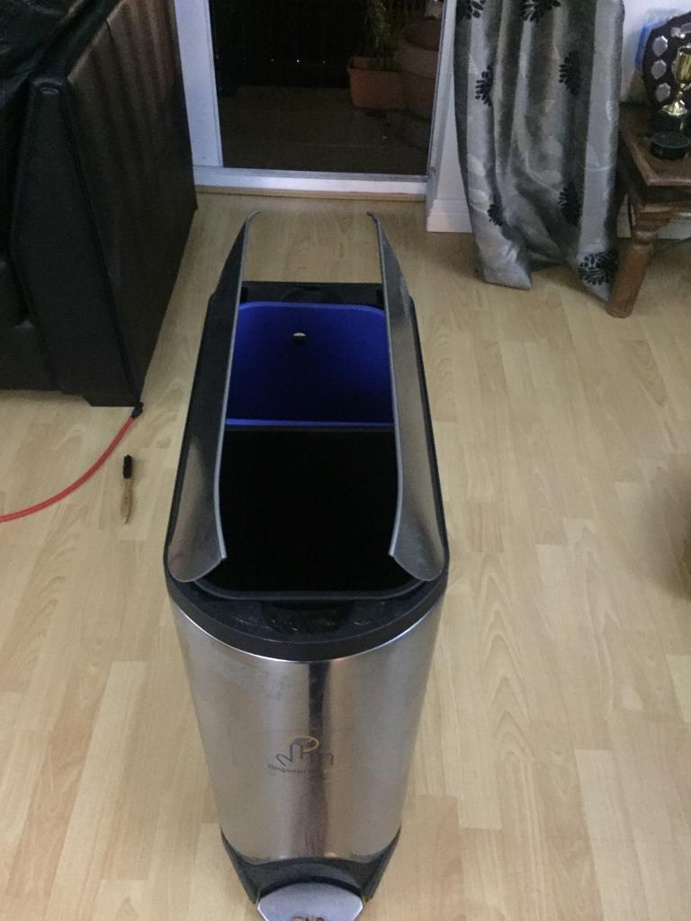 Simple Human butterfly lid bin with recycling compartment