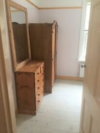 Room to rent £80 no bills Charminster
