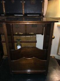 Nice Vintage Oak Side Table / Magazine & Newspaper Rack Storage Shelf Stand