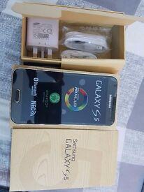 SAMSUNG S5 gold 16GB UNLOCKED BOXED