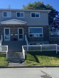 Amazing Town House on Lake Banook $1500 plus utilities