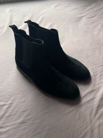 Men's Kurt Geiger Boots (black, suede, size 8)