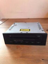 AUDI 6 DISC CD AUTOCHANGER UNIT 8E0035111 FITS A3 8P/ A4 S4 B6 RS4 B7/ A6 C5