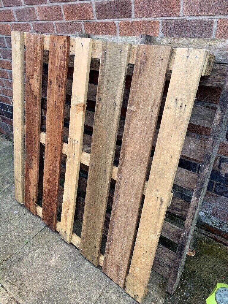 6 free wooden pallets   in Woodthorpe, Nottinghamshire ...