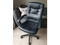 Office chair - black desk chair swivel - £40 or nearest offer