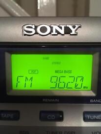 MICRO CD/RADIO CASSETTE PLAYER. SONY MINI HIFI