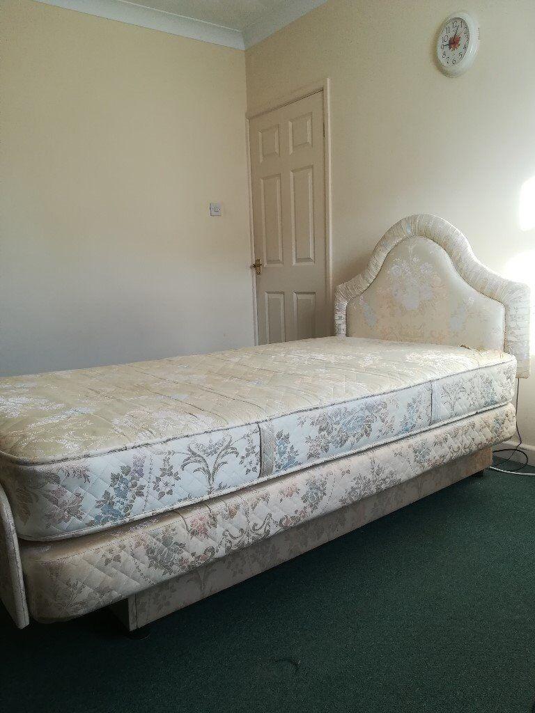 Adjustamatic single bed with 3.6 x 6.3 Marlborough mattress and headboard
