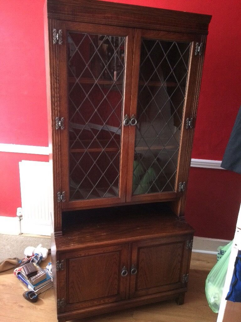 Dresser cabinetin Watford, HertfordshireGumtree - Dresser. Top section 2 glazed doors with 3 shelves. Bottom section 2 doors no shelves. Solid wood throughout. H184cm W87cm D45cm