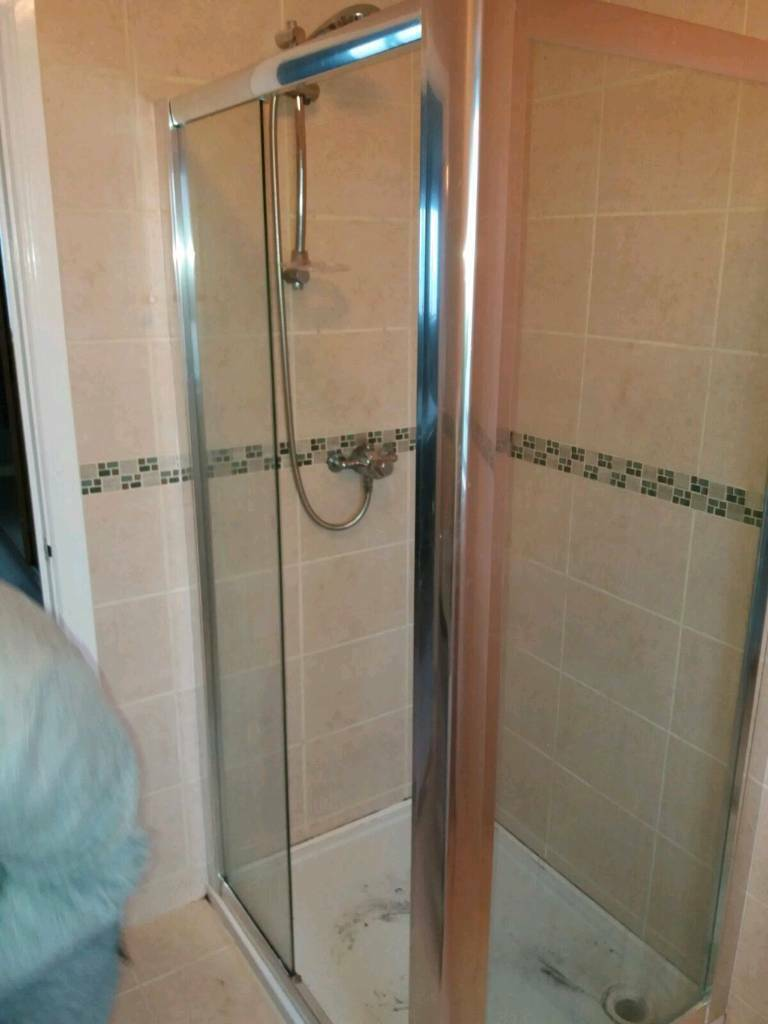 Shower surround and base